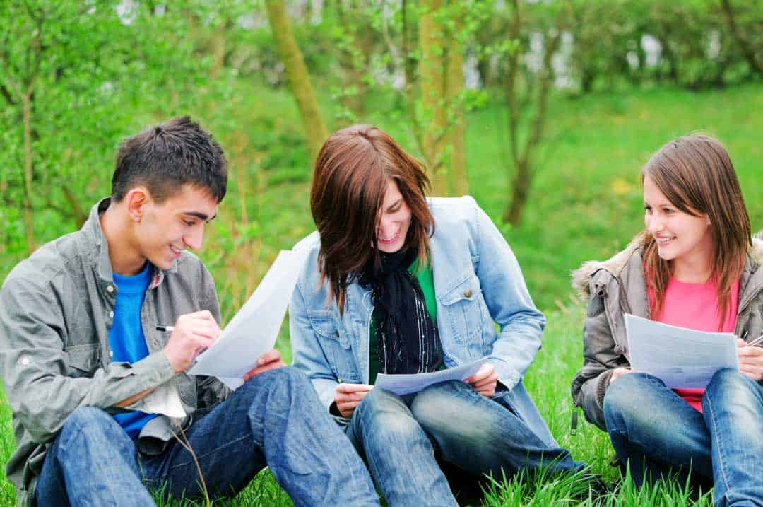 Teen-Homeschoolers-outside-learning